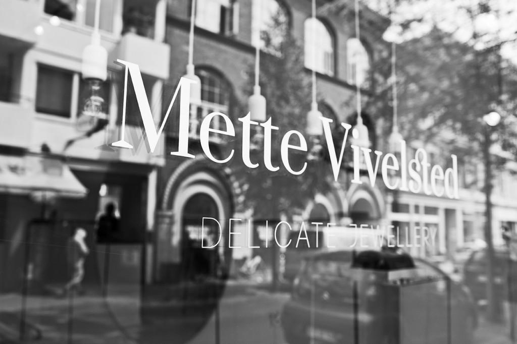 Kontakt Mette Vivelsted Smykker